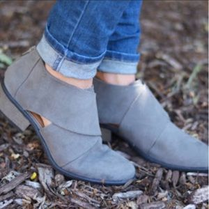 Journee Collection Avryl Ankle Boots size 7.5